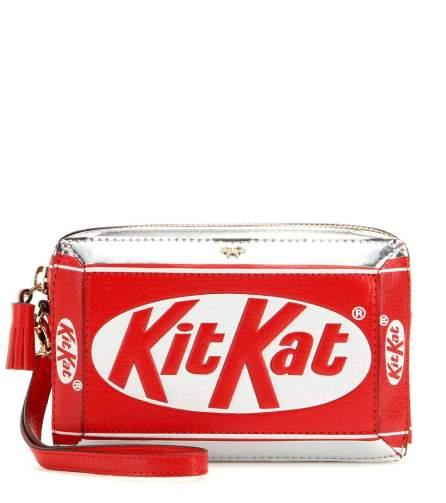 P00148061-KitKat-leather-clutch-bag-STANDARD